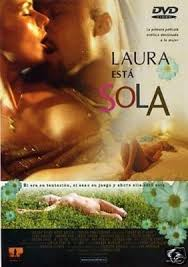 Laura esta Sola Español
