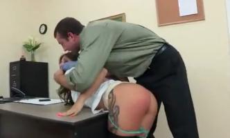 secretaria-necesita-disciplina-jynx-maze-spanking.jpg
