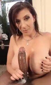 Sara-Jay-sabe-comer-polla-porno-mamadas.jpg