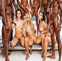 Película porno Teanna Trump, Vicki Chase, Adriana Chechik-BadBitches XXX Gratis