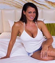 Película porno Reagan Foxx-Beautiful Busty Webcam MILF XXX Gratis